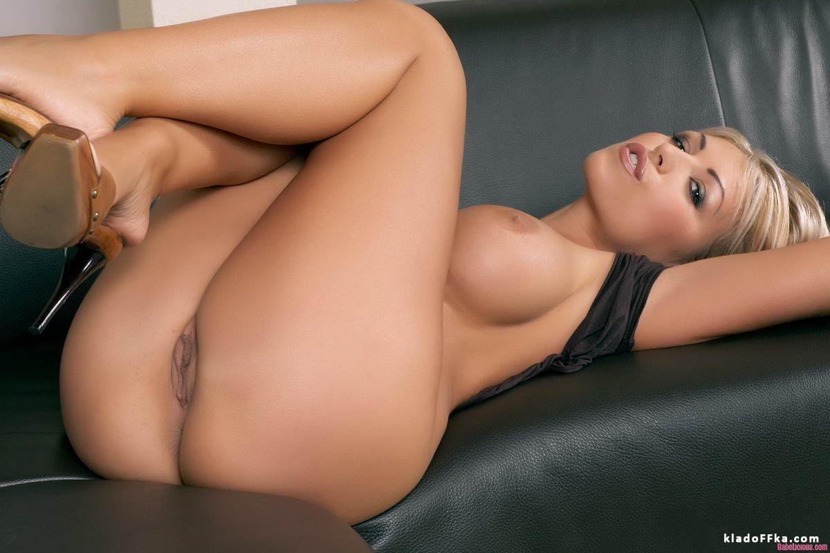 topless boobs tumblr gifs