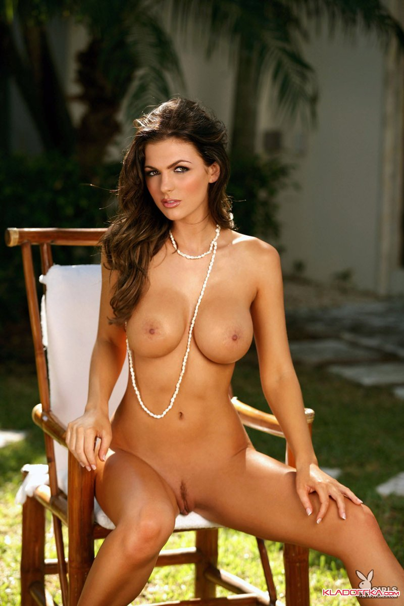 jillian-beyor-nude-upclose-meghan-fox-free-naked-pics