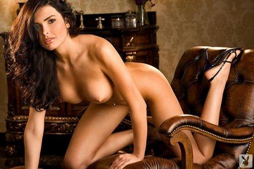 Красивая эротика от очаровательная обнажённой топ модели Sasckya Porto