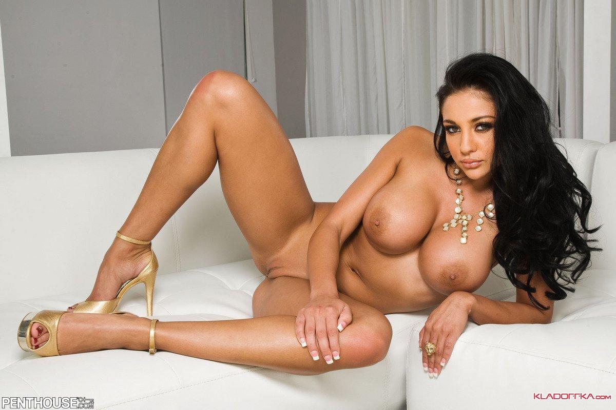 Голая порноактриса Audrey Bitoni смотреть онлайн 7 фото