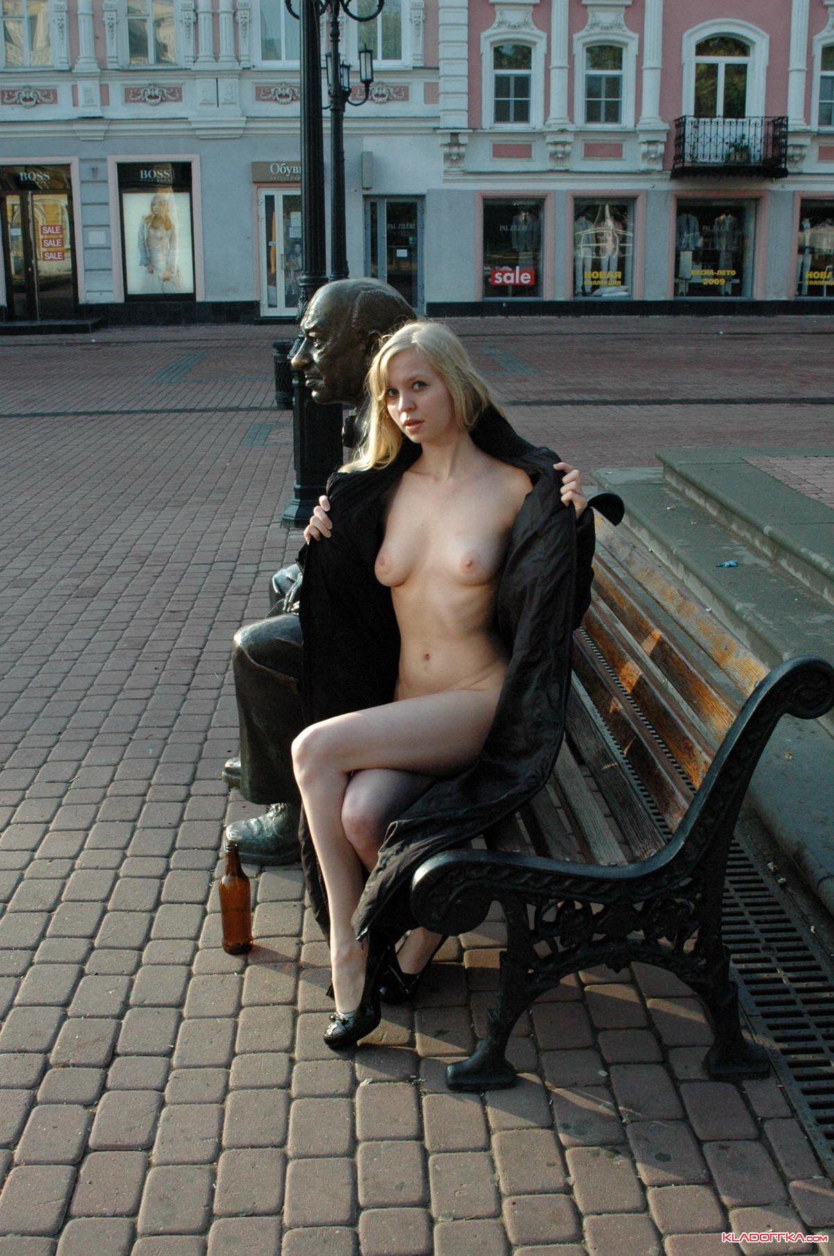 golie-devushki-nizhnego-novgoroda-foto