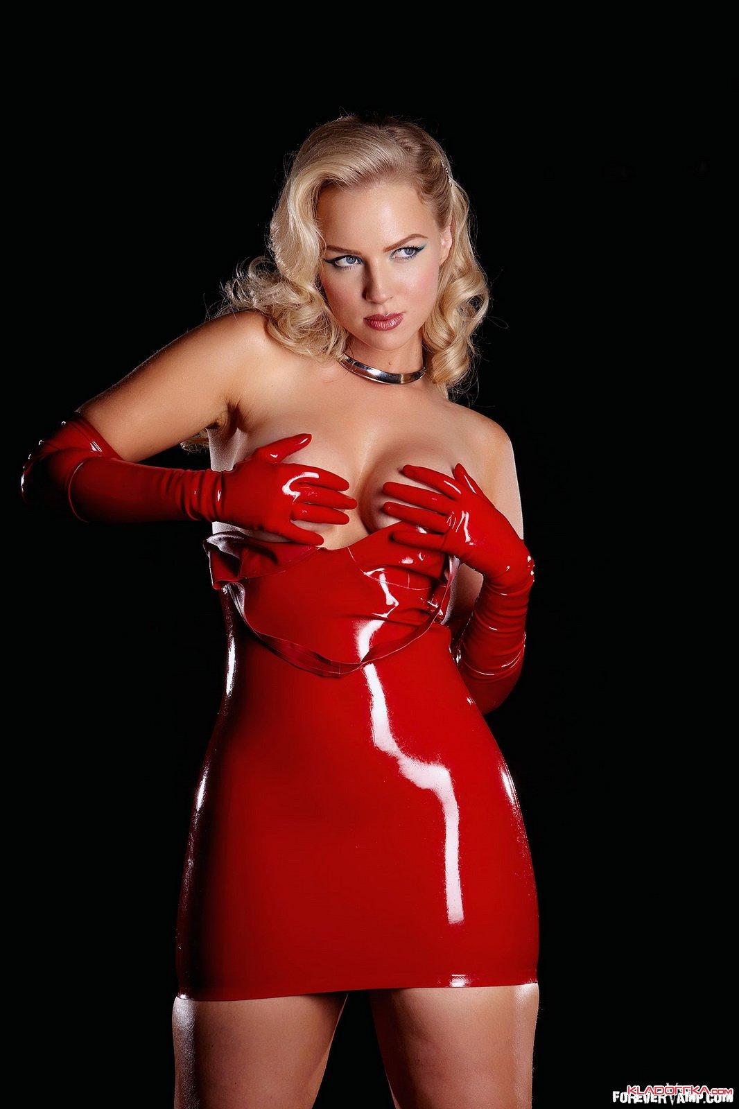 имена порно актрис в красном латексе