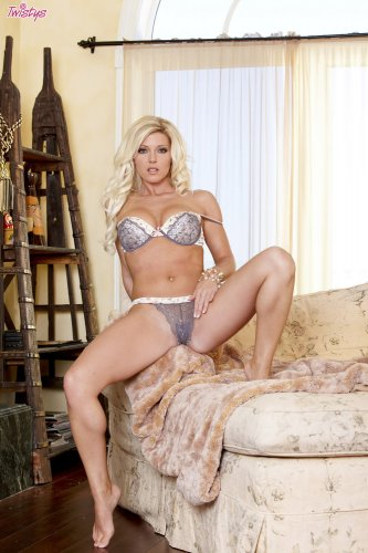 Niki Lee Young Stunning Blonde Takes Off Her Sexy Lingerie Beeg Com 1