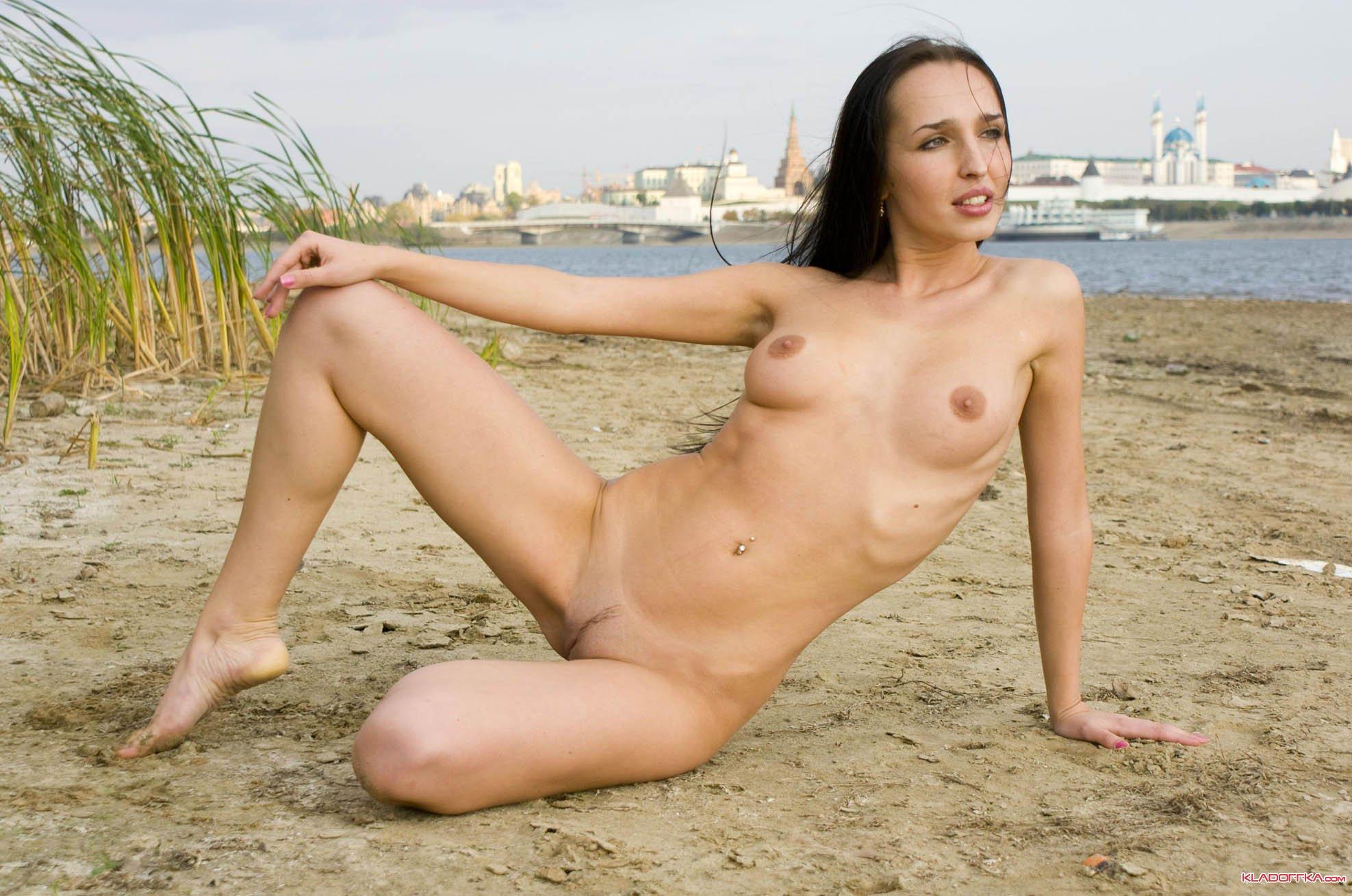 Картинки голые девушки в калгари