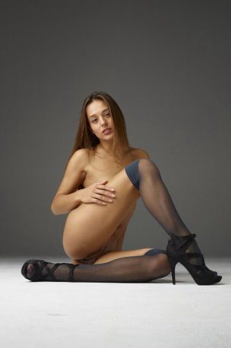 Dominika C в чулках