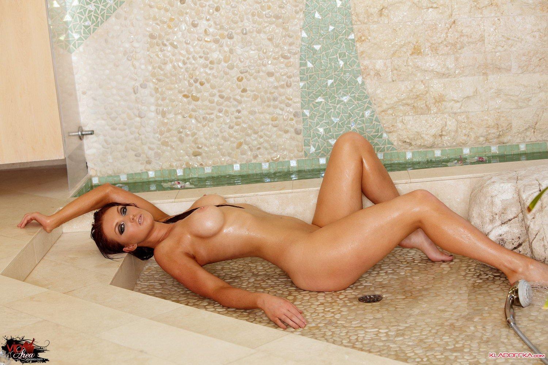 Обнаженная порноактриса Veronica Ricci смотреть онлайн 3 фото