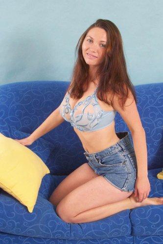 Стриптиз на диване от Дарины