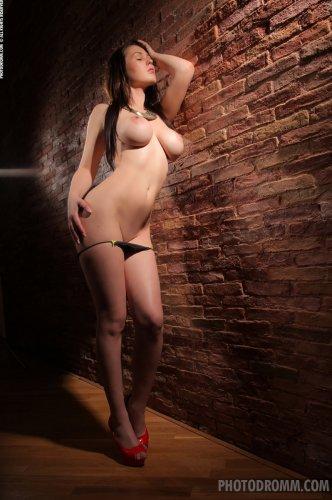 Чувственное забвение в объятиях одесской проститутки