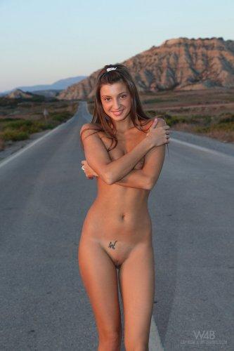 Обнажённая эротика от худой знаменитой модели Melena Tara и студии W4B