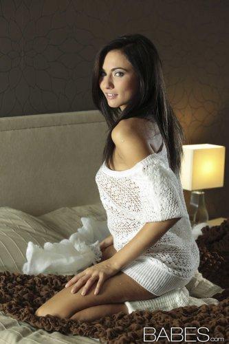 Эротические фото топ модели Michaela Isizzu для студии Babes.com