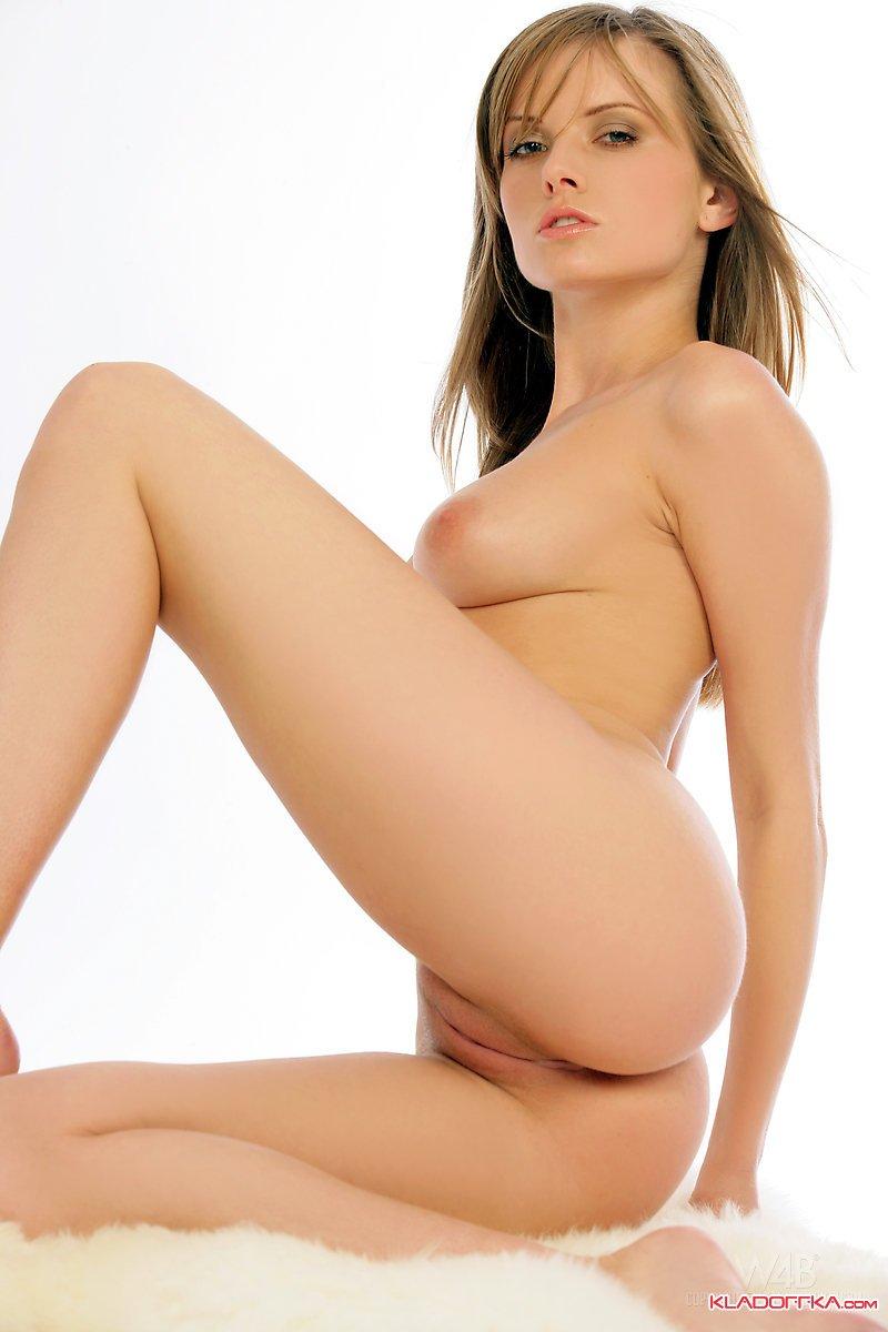 Nikki Case фото эротика и порно