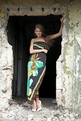 Знаменитая модель Indiana Belle фотографируется голой для Инстаграм