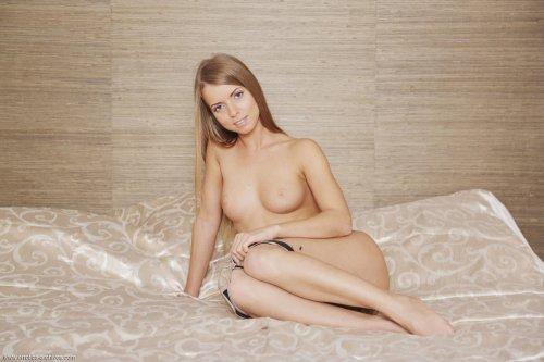 Сексуальная Stella Lane сфотографировалась обнаженной